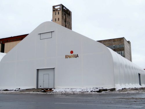 tentovyj-angar-s-dvuhskatnoj-kryshej-20-na-48-m²-3-scaled-1